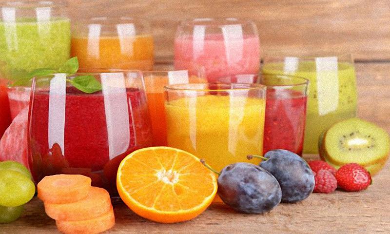 Лучшие фруктовые напитки в летнюю жару