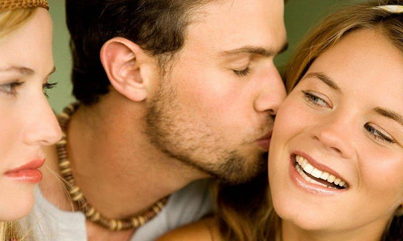 Почему мужья изменяют женам, но не уходят