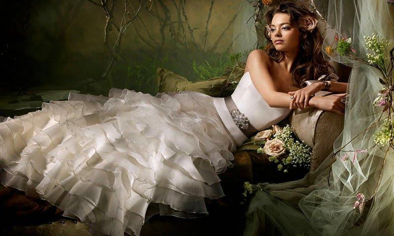 Как девушке выйти замуж?