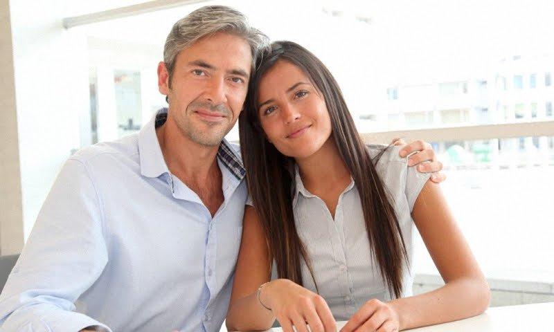 Как понравиться мужчине старше себя?