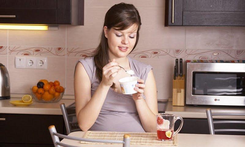 Как должна питаться беременная на ранних сроках?