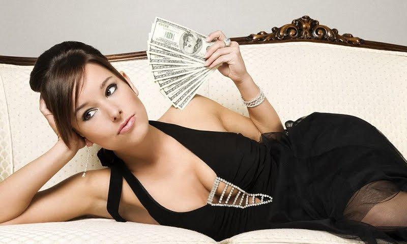 Как привлечь деньги? Девушка, деньги.