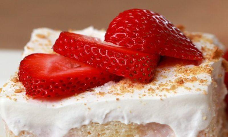 Торт клубничная фантазия