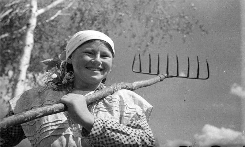 Советская колхозница